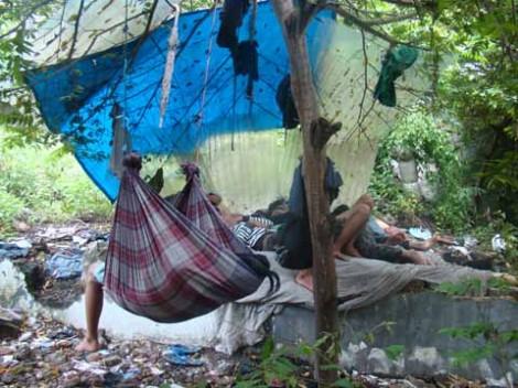 Tempat tidur yang seadanya