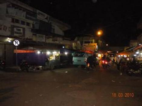 Suasana Pasar Padangpanjang di waktu malam
