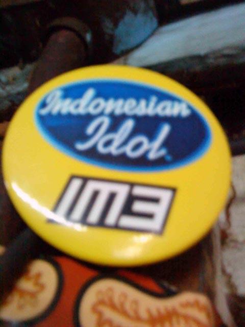 Pin Indonesian Idol sebagai satu-satunya kenangan Dulon mengikuti audisi di Jakarta