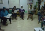Program Teataer Pemberdayaan Perempuan Paseban ketika latihan rutin sebelum pementasan MEMBACA KARTINI