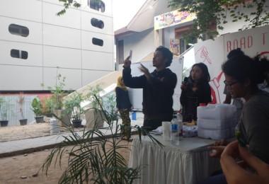 Pembacaan surat suara oleh KPU