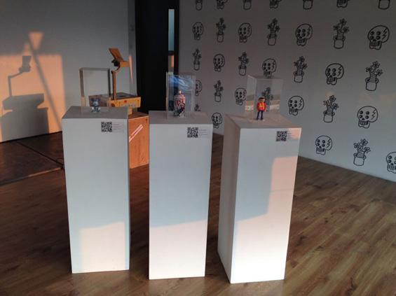 Beberapa karya-karya trimatra dalam pameran Graphic Interchange