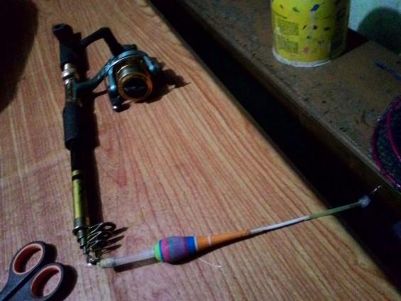 Contoh alat pancing yang biasa digunakan oleh pemancing di Singkarak.