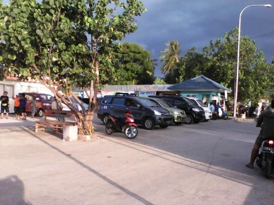 Kumpulan jasa angkut travel di Pelabuhan Bangsal.