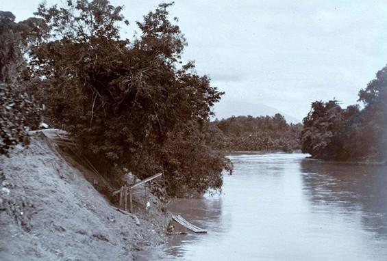 Pertemuan Sungai Ciberang dan Ciujung di Rangkasbitoeng.