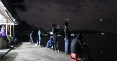 Suasana Mancing di Bonjo pada malam hari.