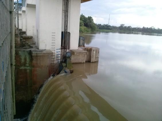 Ukuran Debit Air di Bendungan Pamarayan.