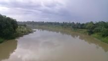 Lanscap galian pasir di tepian Sungai Ciujung.