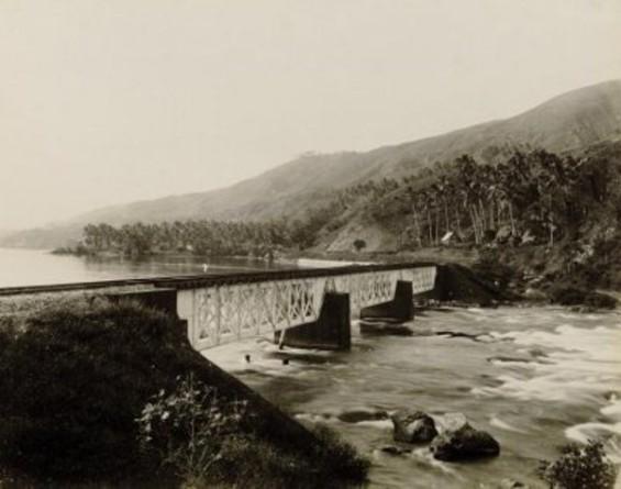 Jembatan Ombilin (tidak ada keterangan tahun). Foto diakses dari ombilin.webs.com