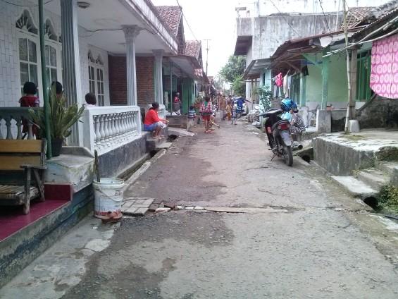 Kampung Lebak Pasar.