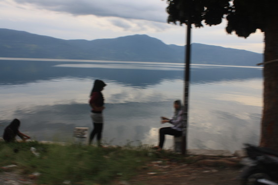 Wisatawan Danau Singkarak