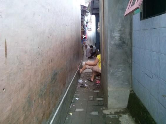 Salah satu penampakan jalan di Kampung Lebak Sambel.