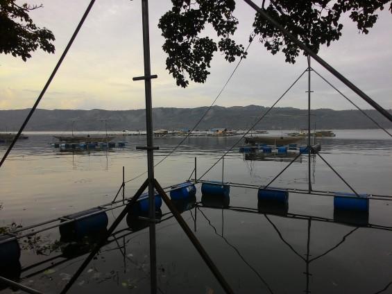 Visual yang tampak jika mengambil gambar di Bagan di tengah danau.