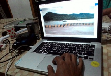 LOMBOK UTARA, 5 Februari, 2016: Salah satu footage yang diambil Gelar Soemantri (partisipan akumassa Chronicle) di Pelabuhan Bangsal untuk materi karya videonya.
